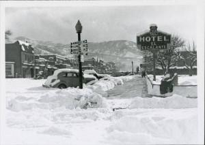Snow_on_Cedar_Citys_Main_Street